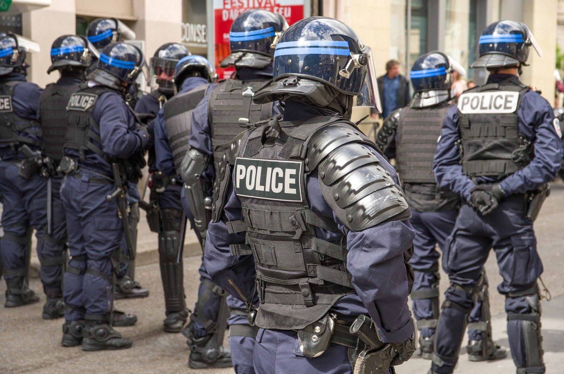 ventdouxprod nicolas barbier 2020 police armée confinement régime autoritaire contrôle surveillance france
